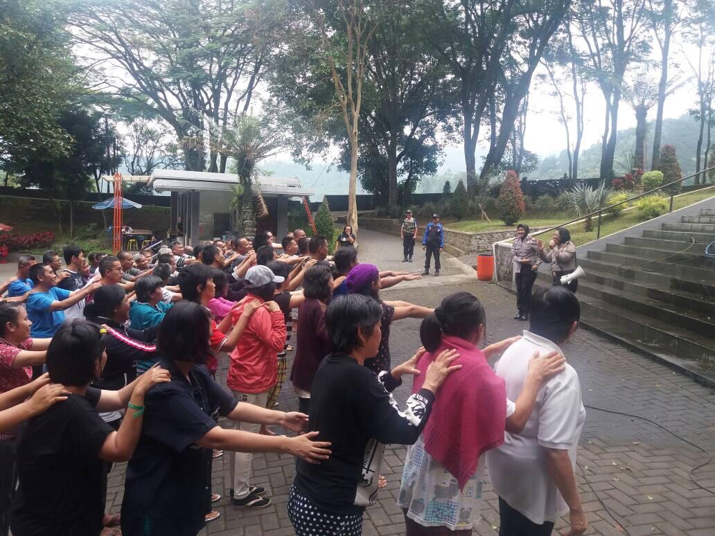Kasat Binmas Polres Batu Binluh Kepada Pondok Pemulihan Doulos Kota Batu