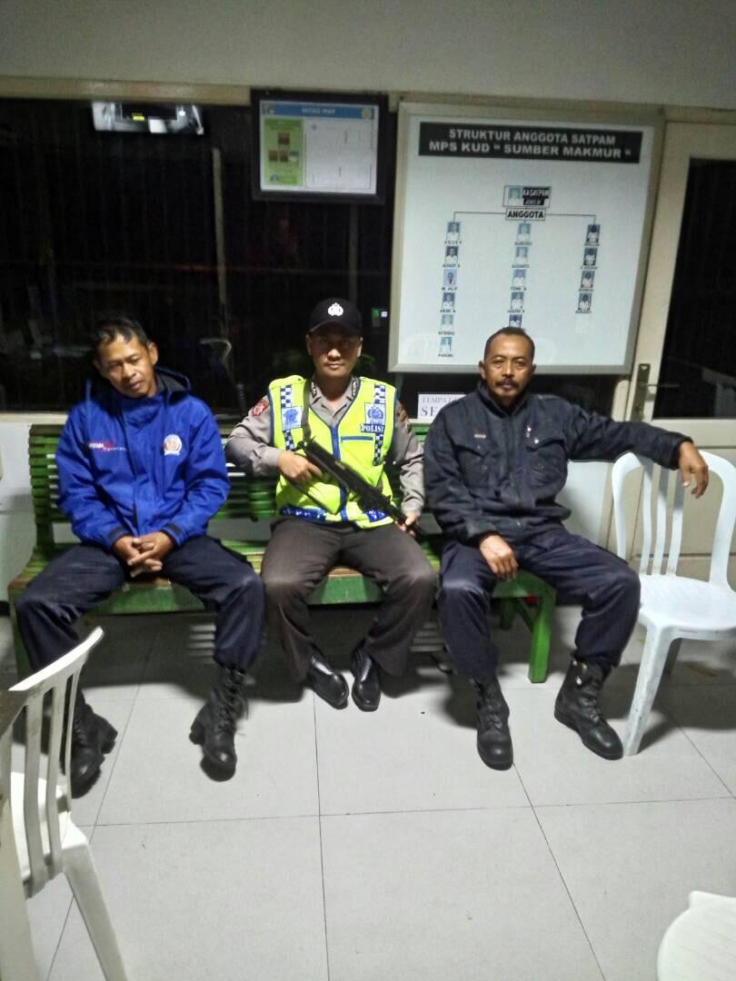 Anggota Polsek Ngantang Polres Batu melaksanakan Patroli Dialogis di Pabrik SKT Sampoerna Ngantang