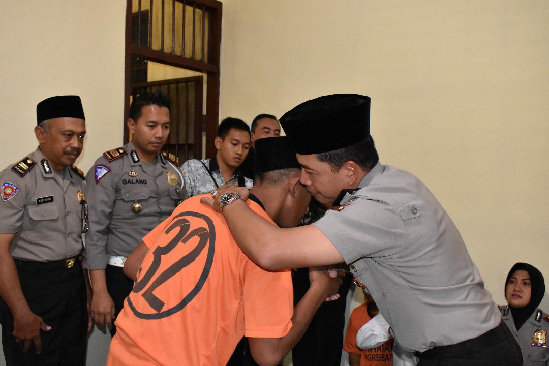 Ramadhan, Kapolres Batu Buka Bersama Tahanan