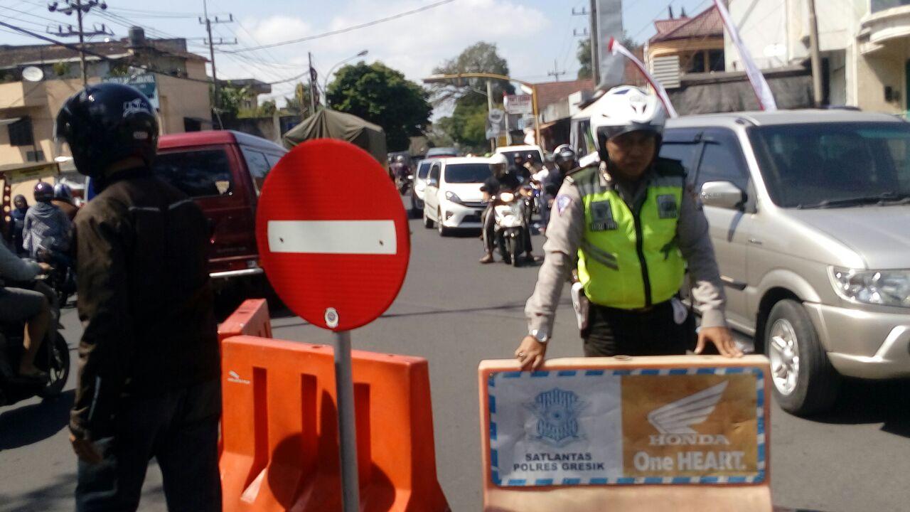 Satlantas Polres Batu Berlakukan One Way Traffic System