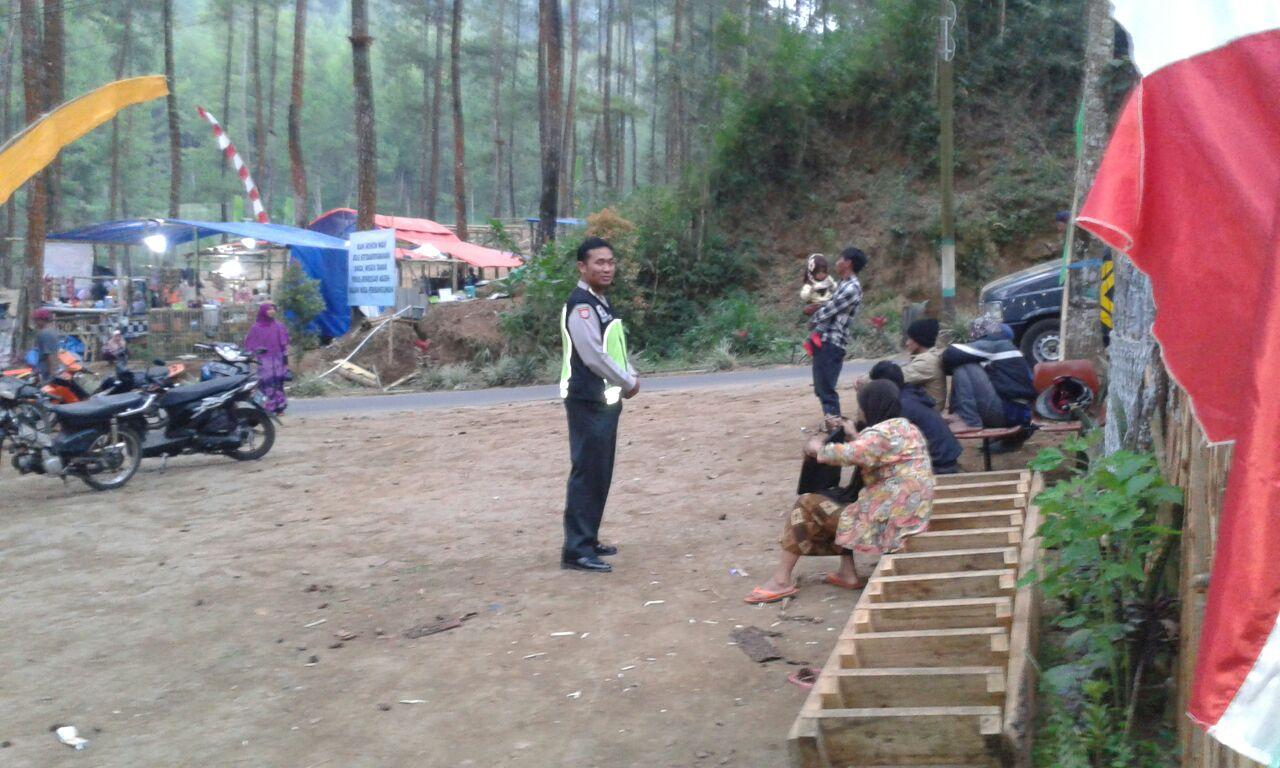 Ciptakan Situasi Kondusif, Anggota Poksek Pujon Polres Batu Lakukan Patroli Dialogis