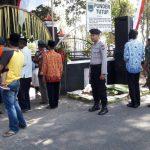 Patroli Wilayah, Bhabinkamtibmas Desa Torongrejo  Polres Batu menghadiri Bersih Desa bersama 3 pilar