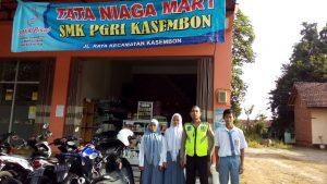 Anggota Bhabinkamtibmas Polres Batu Laksanakan Kunjungan Desa Untuk Ciptakan Kondisi