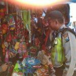 Tingkatkan Keamanan di masyarakat , anggota Bhabinkamtibmas Polsek Batu Polres Batu Blusukan ke pemukiman warga