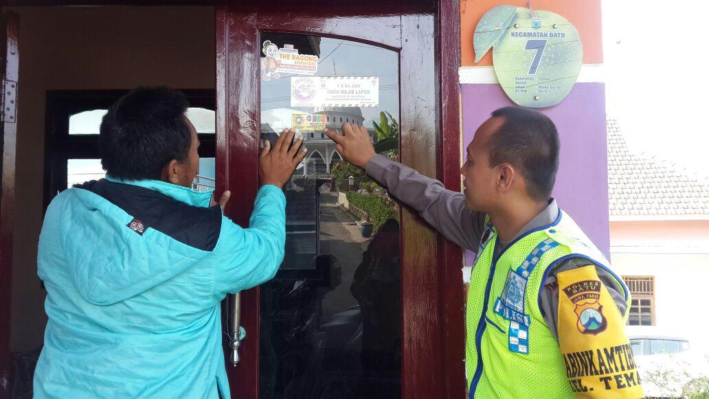 Anggota Bhabinkamtibmas Polsek Batu Kota Polres Batu Ajak Warga Perangi Narkoba