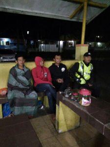 Anggota Polsek Ngantang Polres Batu Melaksanakan Patroli Dialogis Tingkatkan Keamanan