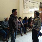 Srikandi Satuan Lantas Polres Batu Berikan Binluh Pada Pemohon SIM
