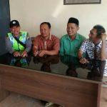Anggota Bhabinkamtibmas Polsek Batu Kota Polres Batu Laksanakan Giat Sambang Ke Warga Desa Binaan Silahturahmi Kamtibmas