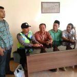 Para Anggota Bhabinkamtibmas Polsek Batu Polres Batu Giat Sambang Warga Desa Binaan