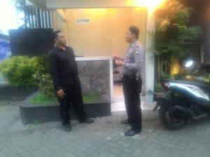 Anggota Bhabinkamtibmas Polsek Batu Polres Batu Laksanakan DDS (Door To Door Sistem)