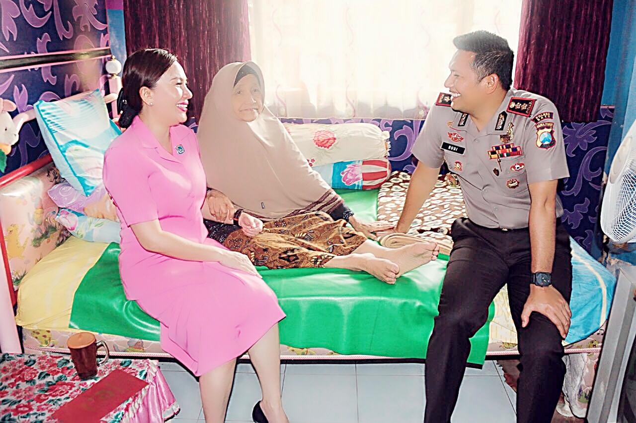 HKGB Ke – 65, Ketua Bhayangkari Cabang Batu Anjangsana Warakawuri