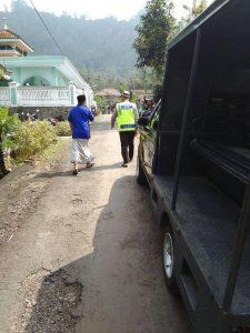 Berikan Himbauan Kamtibmas, Bhabinkamtibmas Polsek Ngantang Polres Batu Laksanakan Syistem Door To Door