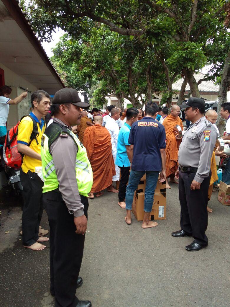 Anggota Polsek Junrejo Polres Batu Melaksanakan Pengamanan Perayaan Kahitna Dana