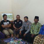 Anggota Bhabinkamtibmas Desa Mulyorejo Polres Batu Datangi Tomas Toga Guna Bersosialisasi