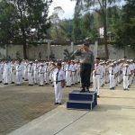 pupuk rasa nasionalisme di kalangan pelajar, Kanit Binmas Polsek Pujon Polres Batu Sebagai Pembina Upacara