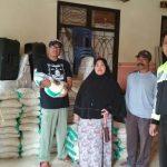 Pembagian Raskin Juga Lakukan Giat Pengamanan Dilaksanakan oleh Bhabinkamtibmas Polsek Bumiaji Polres Batu