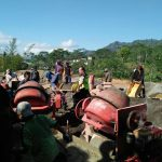 Bhabinkamtibmas Desa Waturejo Polres Batu hadiri Kerja Bakit bersama warga