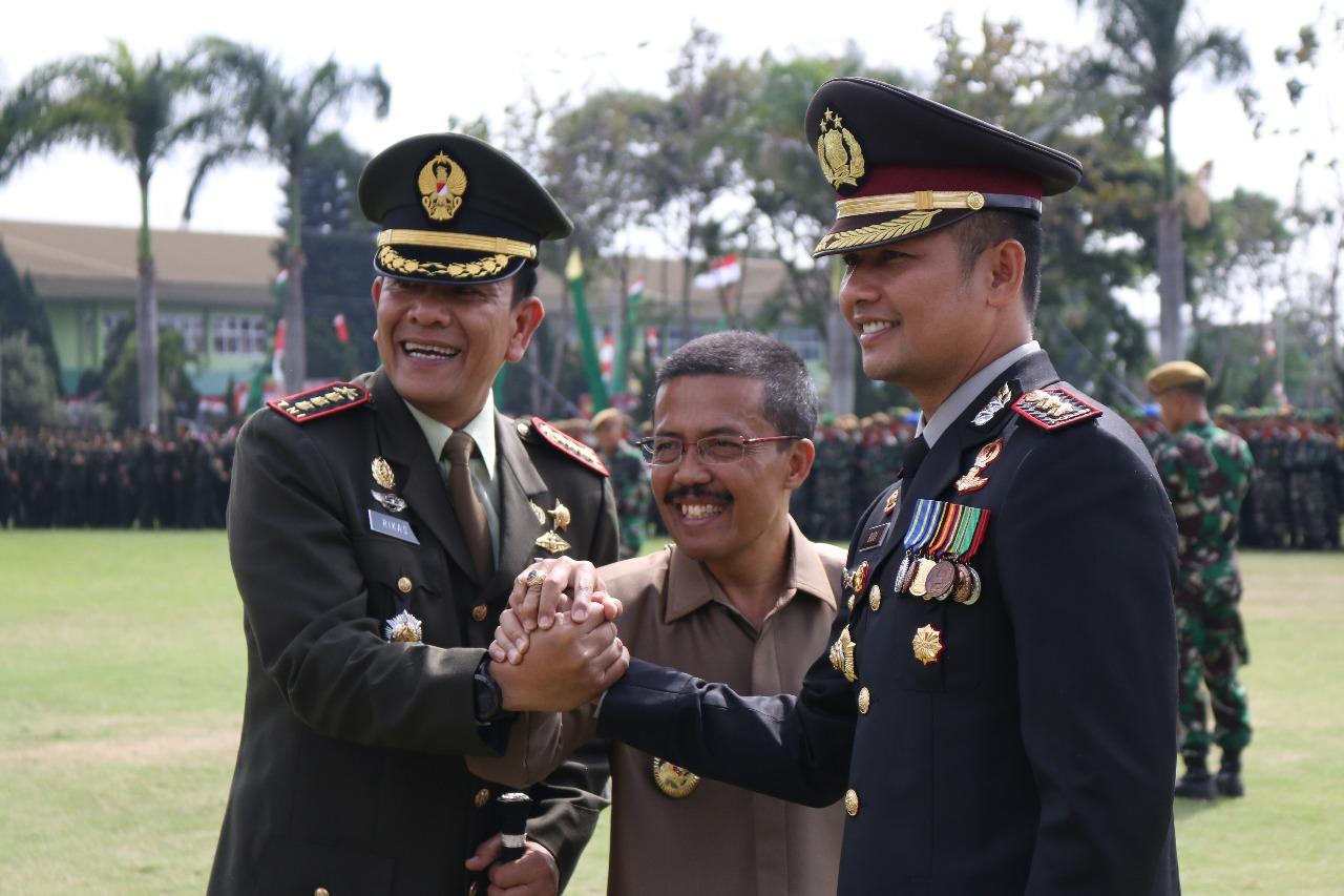 Sinergitas Polres Batu Upacara Bersama TNI HUT Ke 72