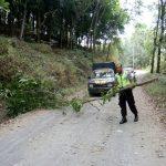 Untuk Menjaga Kamtibmas Aman Kondusif, Kanit Binmas Polsek Kasembon Polres Batu Bersama KASPK Melaksanakan Patroli Obyek Vital Di Wilayah Polres Batu
