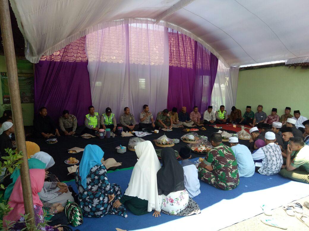 Tasyakuran Dalam Rangka HUT TNI ke 72 Dihadiri oleh Kapolsek Pujon Polres batu