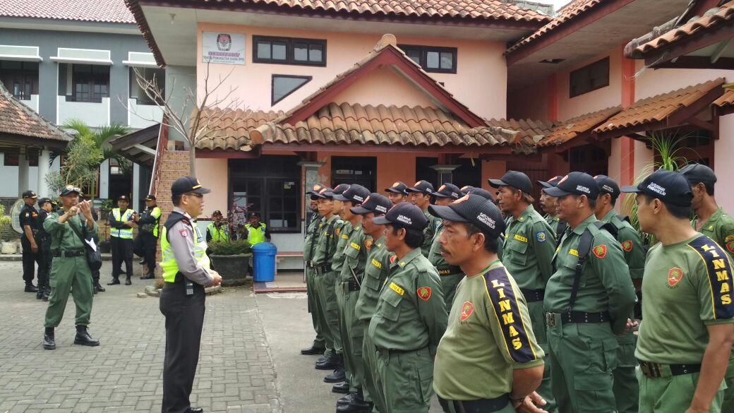 Untuk Berikan Pelayanan Terbaik, Polres Batu Lakukan Pengamanan Karnaval Desa Pandanrejo