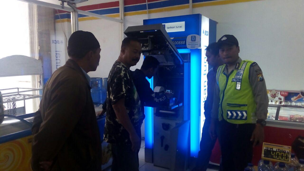 Bhabinkamtibmas Polres Batu Tingkatkan Kewaspadaan Dalam Rangka Ops Bina Kusuma II 2017