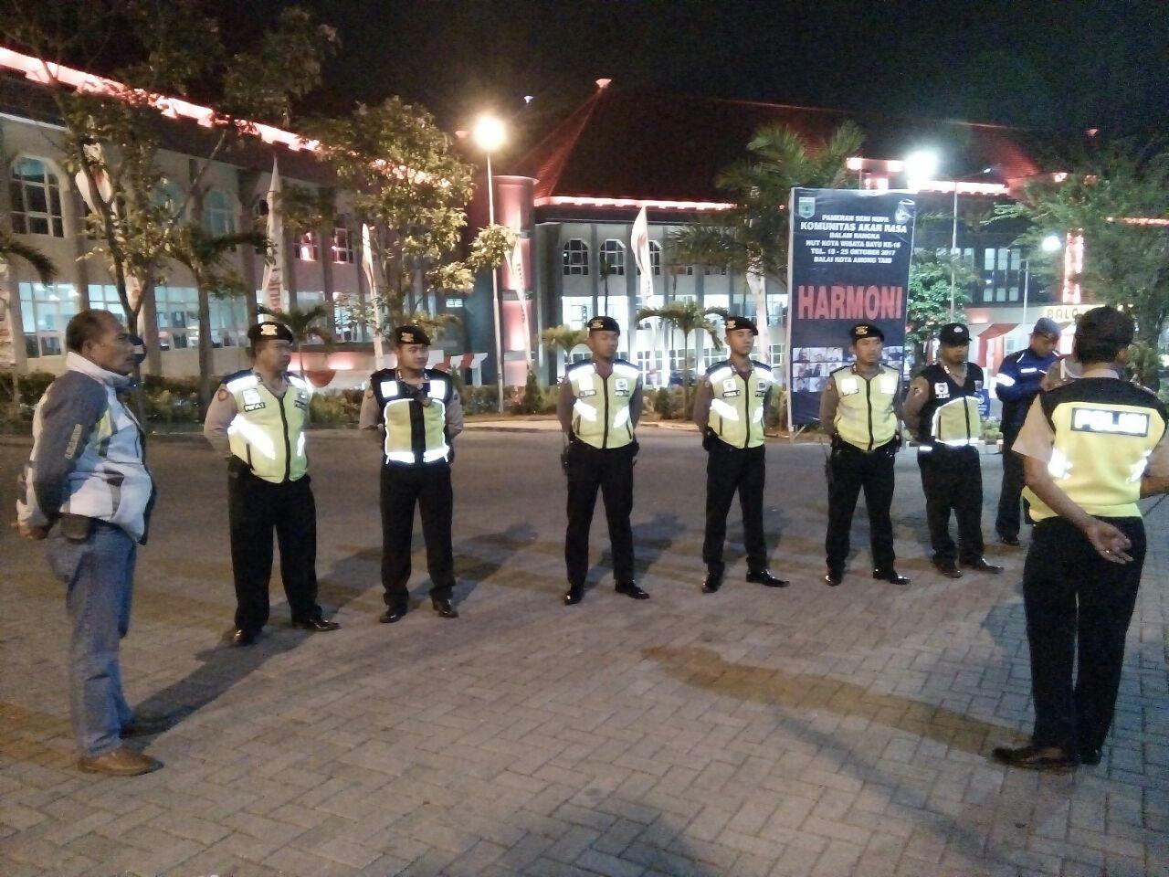 Pengamananan Kegiatan Sholat Subuh Oleh Anggota Polsek Batu Kota Polres Batu