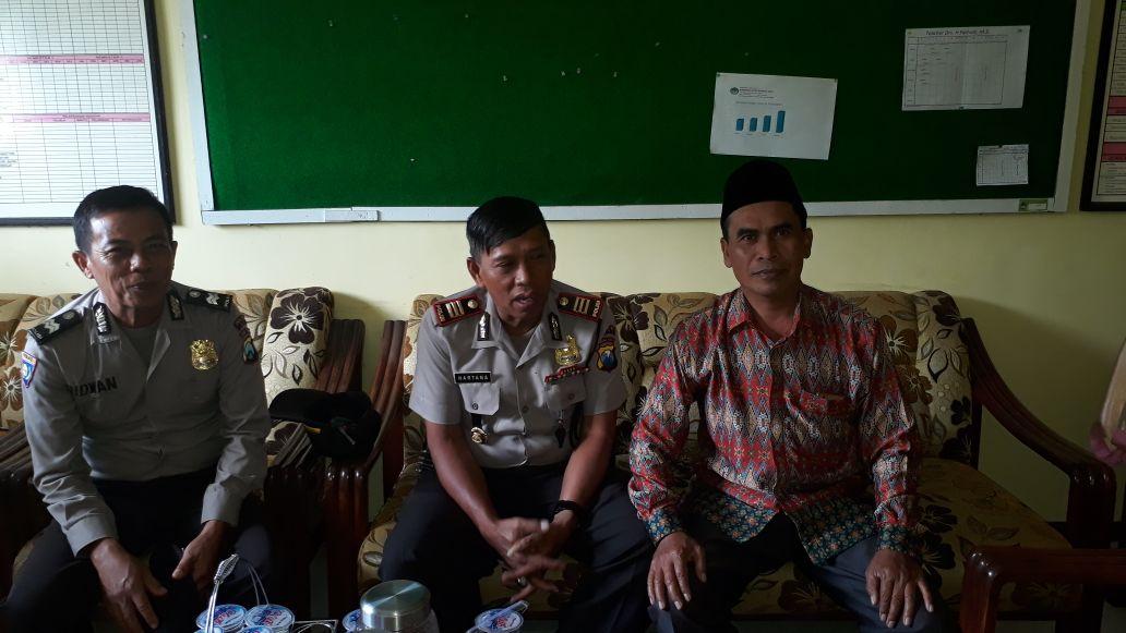 SMK Amanah Husada Mendapat Kunjungan Dan Sambang Dari Kapolsek Junrejo Polres batu