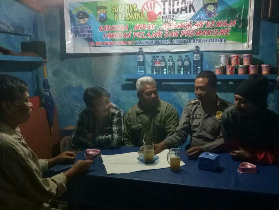 Warga pesanggrahan ,Bhabin Selalu memberikan Himbauan Dukung Ops Bina Kusuma