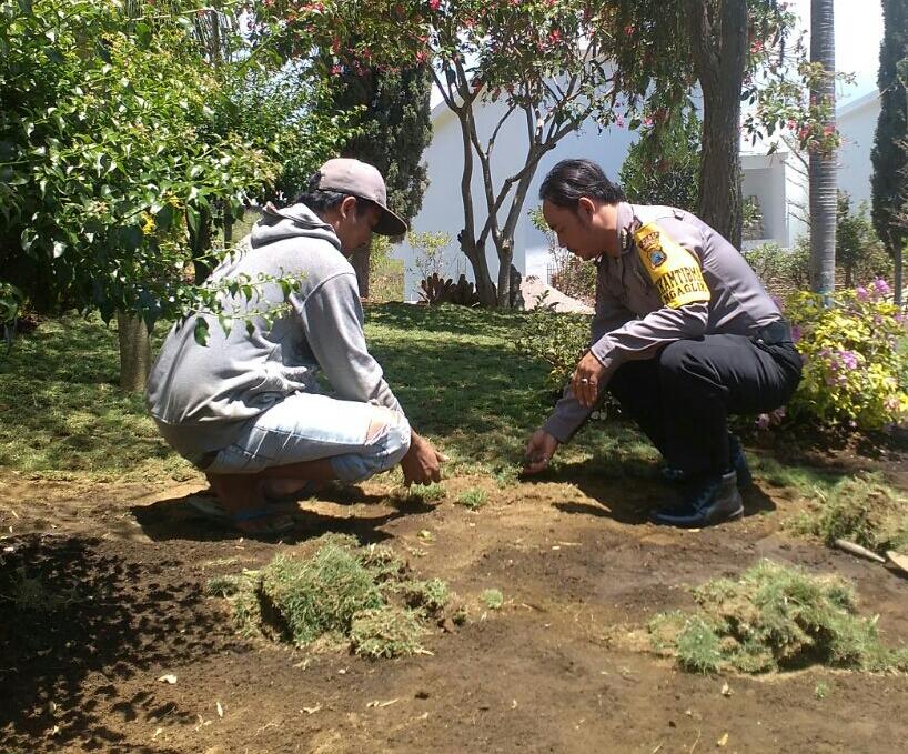 Jalin Kedekatanya Dengan Warga, Bhabin Polsek Batu Polres Batu Lakukan DDS