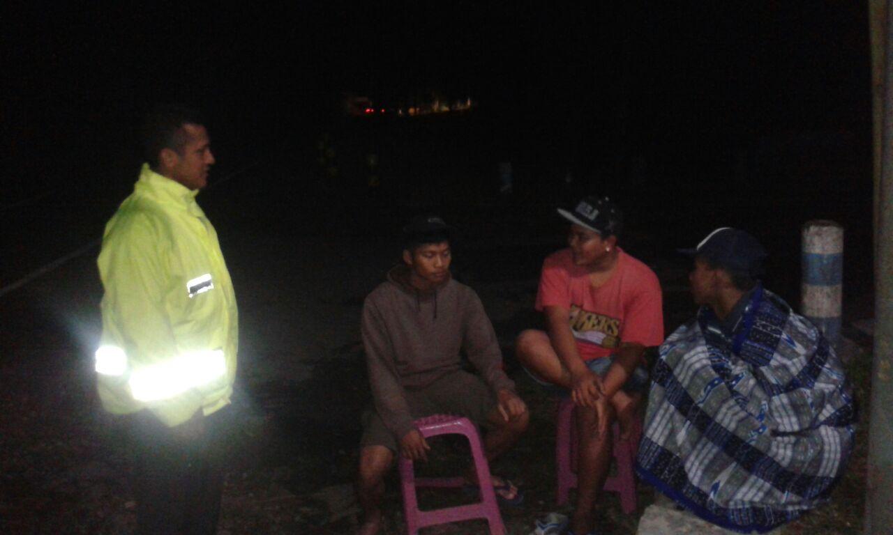 Bhabin Polsek Pujon Polres Batu Patroli Dialogis ke Pemuda