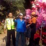 Menjaga Keamanan, Anggota Bhabin Polsek Kasembon Polres Batu Hadir Dalam Setiap Acara Warga Desa Binaannya Bemi Menjaga Kelancaran Acara