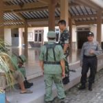 Anggota Bhabinkamtibmas Polsek Ngantang Polres Batu Giatkan Binluh Kepada Para Linmas 