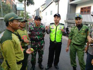 Anggota Bhabinkamtibmas Polres Batu Lakukan Binluh Bintibmas Pada Linmas