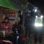 Anggota Polsek Pujon Polres Batu Giatkan Patroli Malam Demi Terciptanya Situasi Aman Kondusif