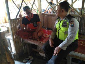 Anggota Polsek Batu Polres Batu Sambang Binluh Berikan Himbauan Kamtibmas Kepada Warga