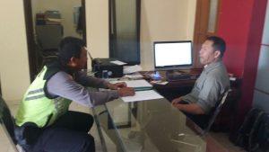 Anggota Bhabinkamtibmas Polsek Bumiajai Polres Batu Giatkan Sambang Dialogis Dengan Kasi Pemerintahan