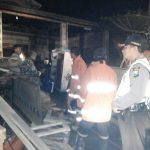 Jago Merah Lalap Sebuah Rumah, Polsek Ngantang Polres Batu Quick Respon Bersama PMK Padamkan Api