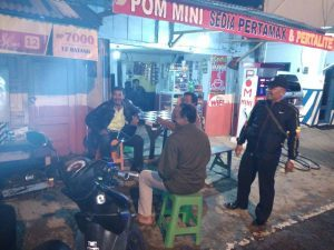 Polsek Ngantang Polres Batu Giat Patroli Malam ke Pemukiman Warga