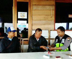 Anggota Bhabin Polsek Batu Polres Batu Silaturrahmi Bersama Kelompok Pemuda