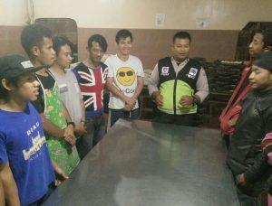 Anggota Polsek Batu Polres Batu Giatkan Binluh Kepada Kelompok Pemuda Desa Binaan