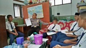 Antisipasi Kenakalan Remaja di Kalangan Pelajar, Anggota Polsek Ngantang Polres Batu Melaksanakan Giat Binluh ke MTs Sidodadi