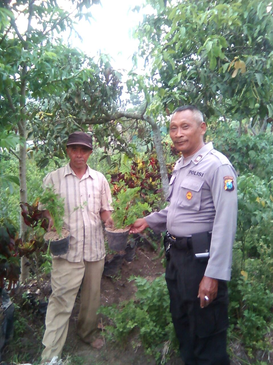 Polsek Bumiaji Polres Batu Sambang Petani Sayur