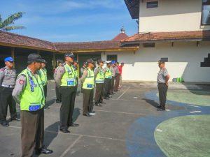 Kapolsek Pujon Polres Batu Pimpin Apel Pagi Untuk Menumbuhkan Semangat Kerja Anggota
