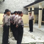 Tingkatkan Kedisiplinan Anggota Polsek Ngantang Polres Batu Kapolsek Pujon amil apel pagi