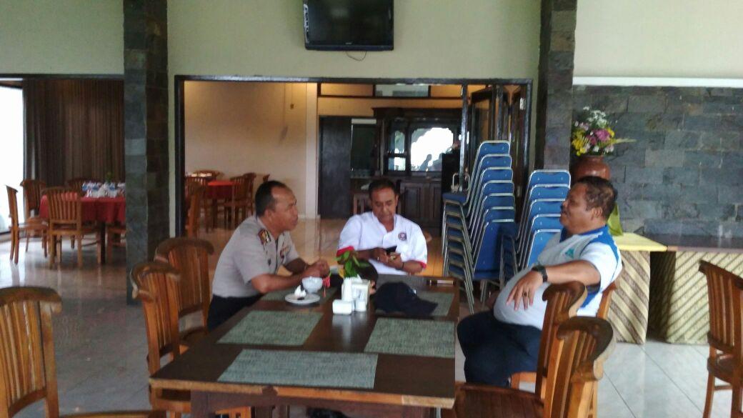 Kapolsek Ngantang Polres Batu Melaksanakan giat Patroli Sambang Ke Taman Wisata Selorejo