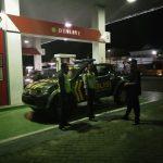 anggota piket Laksanakan Patroli di Malam Hari Antisipasi kejadian kriminal