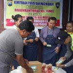 Anggota Bhabinkamtibmas Polsek Batu Kota Polres Batu Giatkan Silaturahmi Sekaligus Sambang Guna Berikan Himbauan Kamtibmas Ke Home Industri Kue