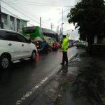 Giat DDS Bhabin Kelurahan Ngaglik Polsek Batu Kota Polres Batu Jalin Kedekatan Kelompok Masyarakat Pedagang Penjual Bubur