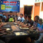 Kumpul Bareng Bhabinkamtibmas Desa Pesanggrahan Polsek Batu Kota , Mengajak Para Netizen Dalam Menggunakan Medsos
